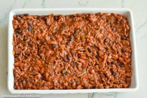 How to make Chili cornbread casserole, transferred the chili mixture in the casserole dish