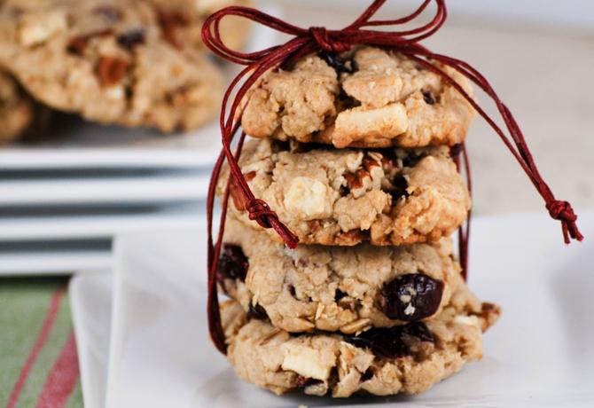 oatmeal_white_chocolate_chunk_cookies
