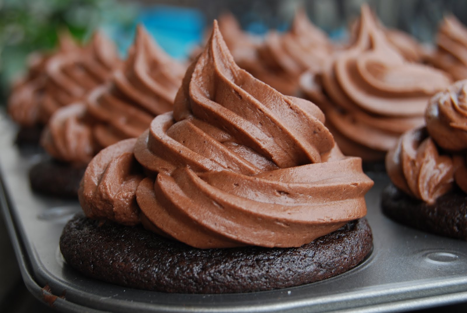 Killa Chocolate Cupcakes. Seriously!!!