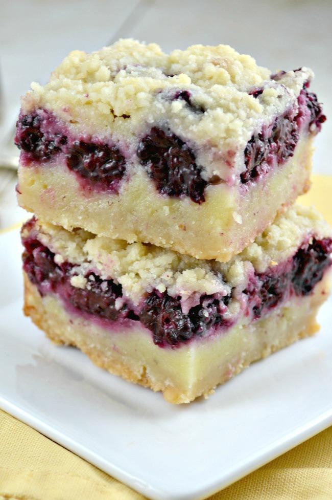 Blackberry And Apple Crumble Cake Recipe