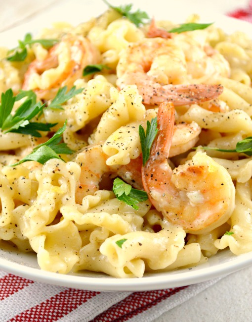 One Skillet Shrimp and Pasta Scampi