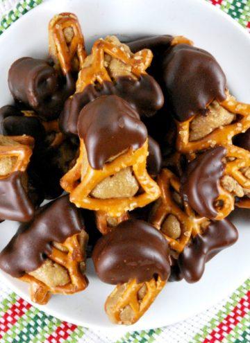 Peanut Butter Pretzel Bites on a plate