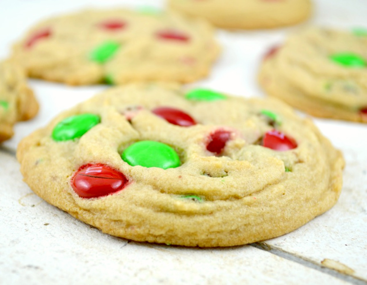 Soft-Batch-M & M-Cookies