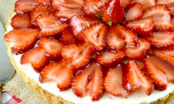 Strawberry White Chocolate Mousse Tart