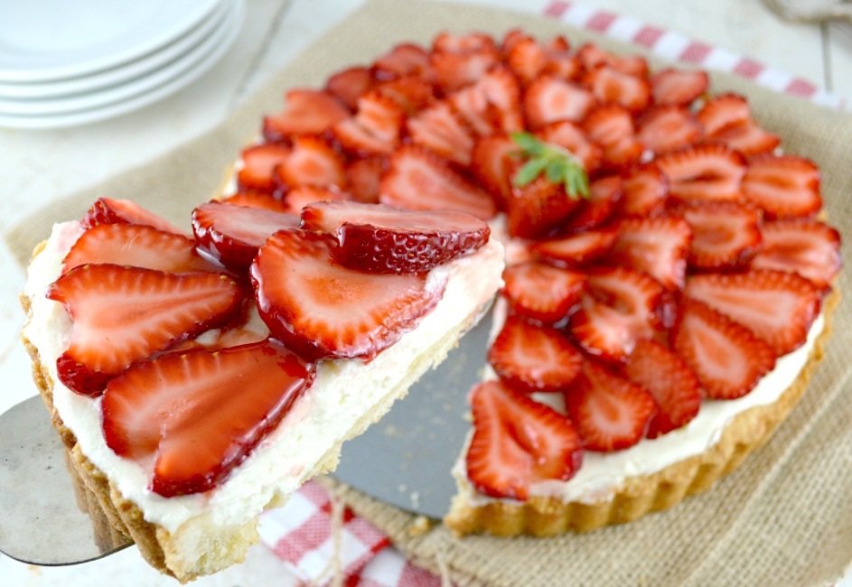 Strawberry and White Chocolate Mousse Tart - Gonna Want Seconds