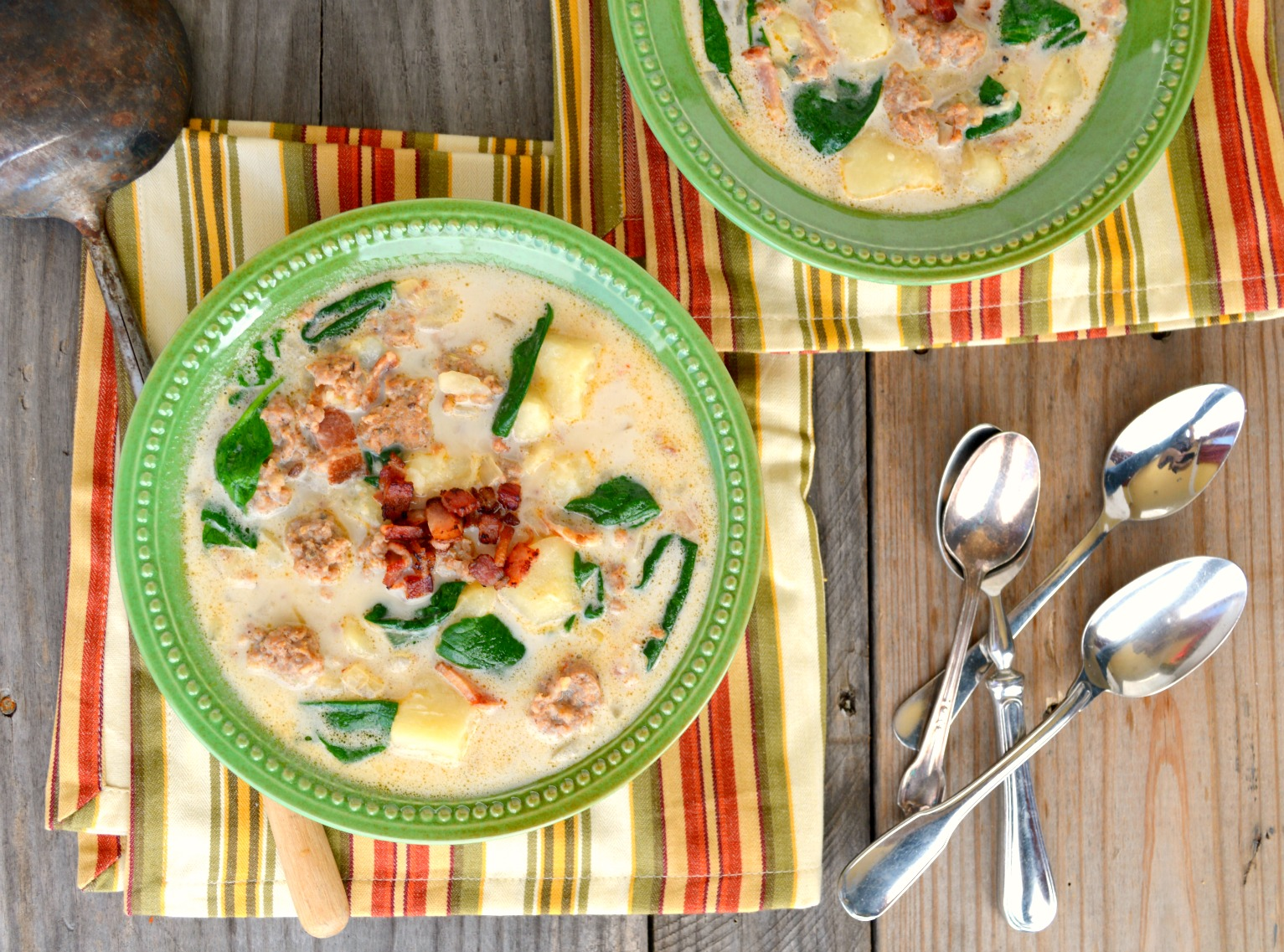 This Zuppa Toscana recipe is rich, creamy and delicious! Easy to make and ready in 30 minutes