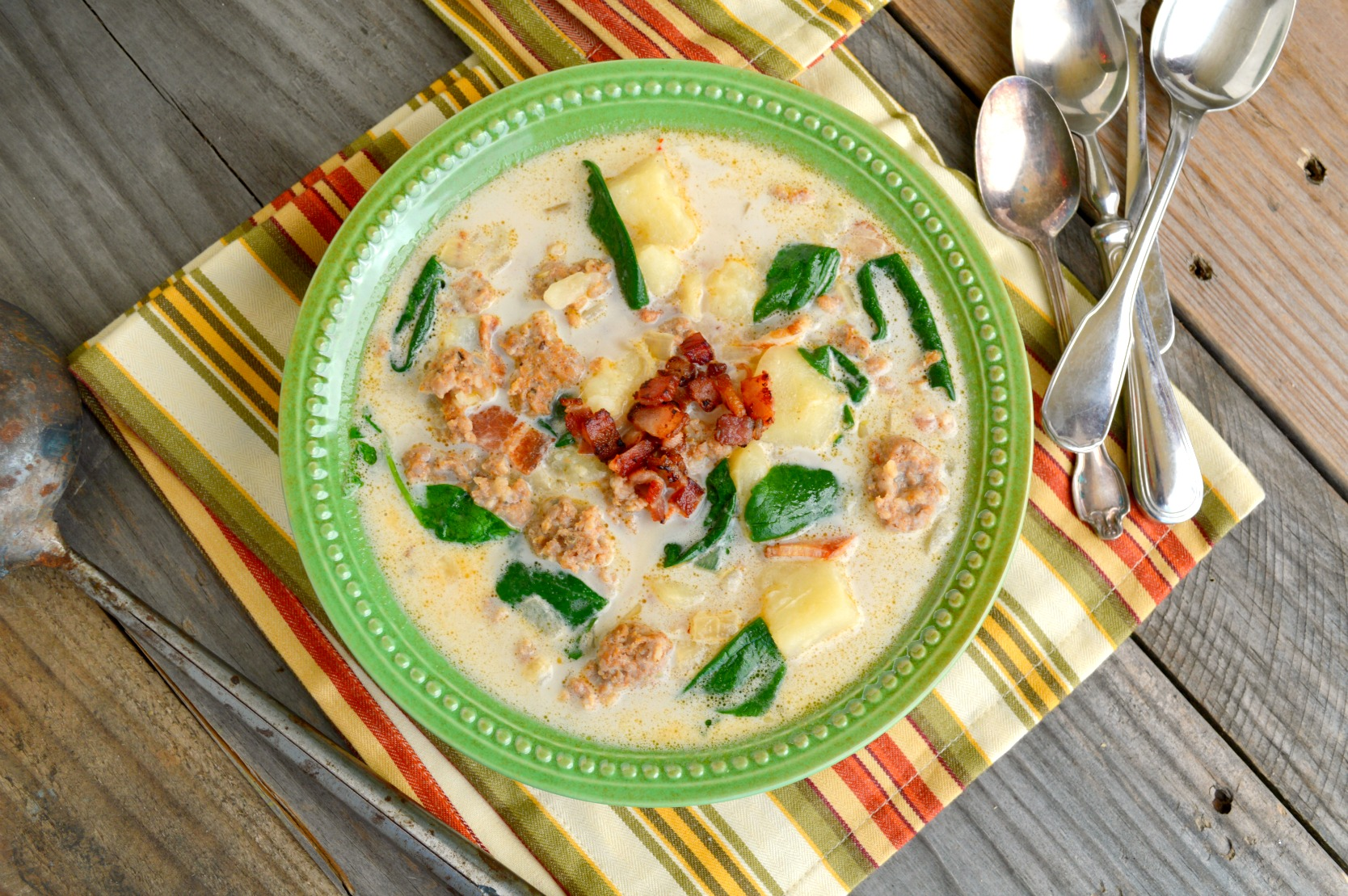 This Zuppa Toscana Recipe is quick and easy to make. Takes only 30 minutes. Makes the best copycat version of this soup!