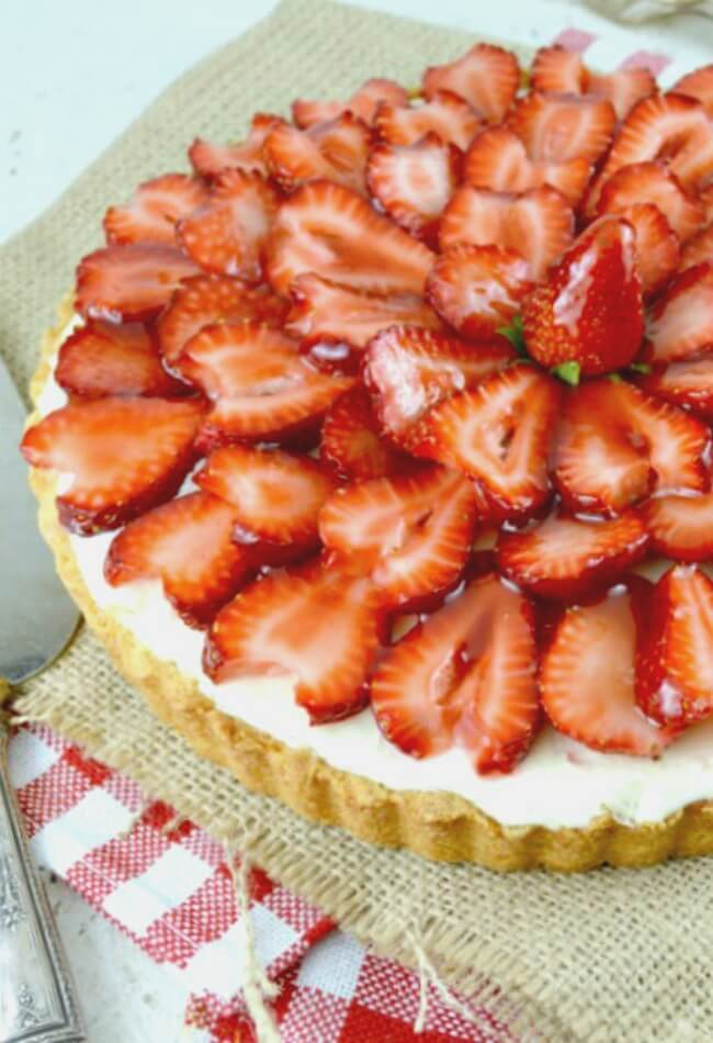Strawberry White Chocolate Mousse Tart. It has an amazingly rich, creamy white chocolate mousse with just the right amount of sweetness, inside a thick buttery shortbread cookie crust, then it's all topped with juicy sliced strawberries and a lovely strawberry glaze! Recipe Here: Strawberry White Chocolate Mousse Tart!)