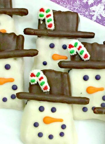 Easy to make Pretzel Snowman