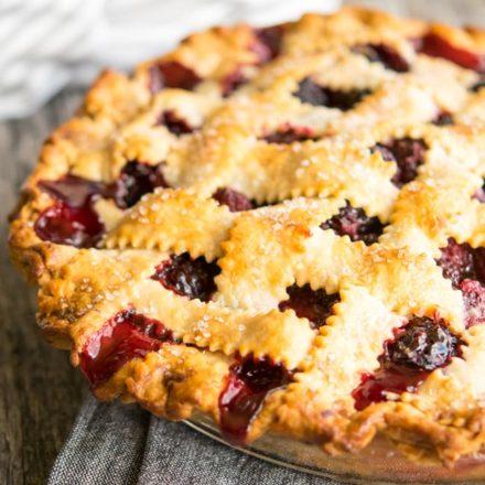 Easy Blackberry Pie close up