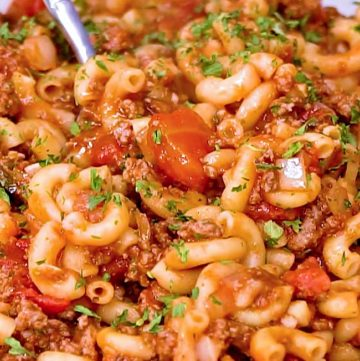 American Goulash, close up