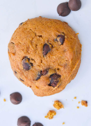 pumpkin chocolate chip cookies, top shot