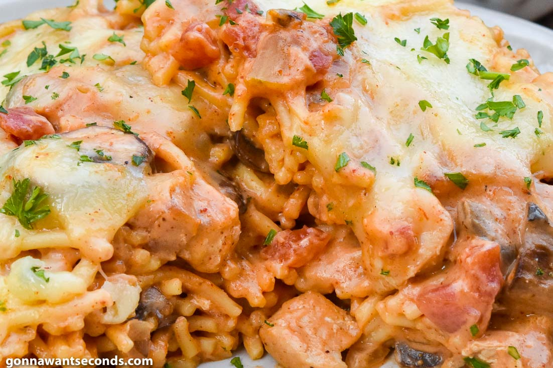 chicken spaghetti recipes, Chicken Spaghetti Bake on a plate