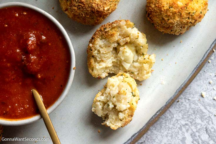 these cheesy filling inside Air fryer arancini recipe