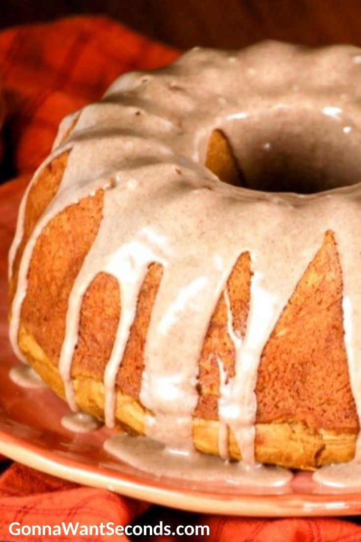 Pumpkin Bundt Cake on an orange plate