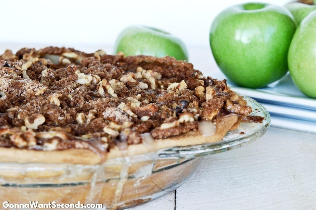 Sour Cream Apple Pie in a pie plate
